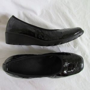 Josef Seibel Black Croc Loafer Women's 39